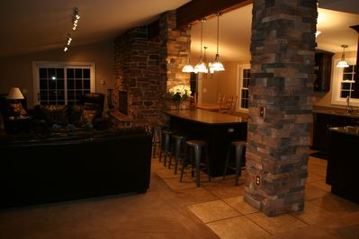 LOTS OF SEATINGS AND VIEWS OF THE 600FT FRONTAGE W/ THE OPEN KITCHEN, LIVING RM