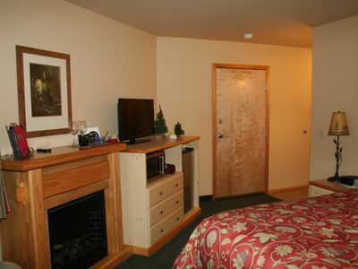 Photo for Icicle Village Resort Luxury Condo, Jacuzzi Bath. 1/2 mile from down town.