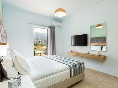 Photo for Ethereal Apartments | 3 Bedrooms Apartment with shared pool