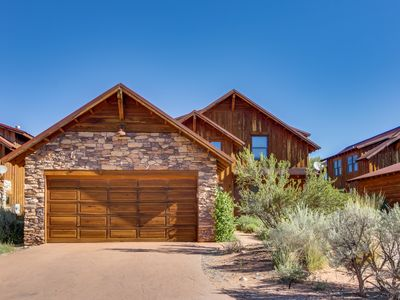 Photo for Enjoy amazing views and essentials from this wonderful home w/ private hot tub
