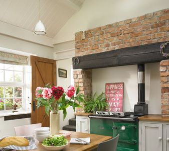 Rose Cottage: The characterful kitchen - the perfect place to eat and socialise