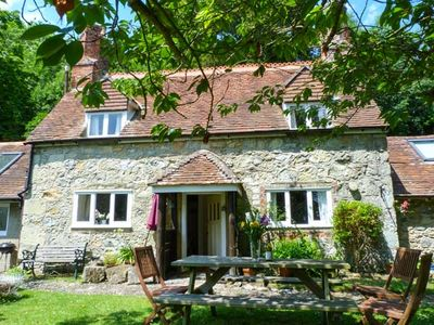 Photo for LISLE COMBE COTTAGE, family friendly in Ventnor, Ref 926287
