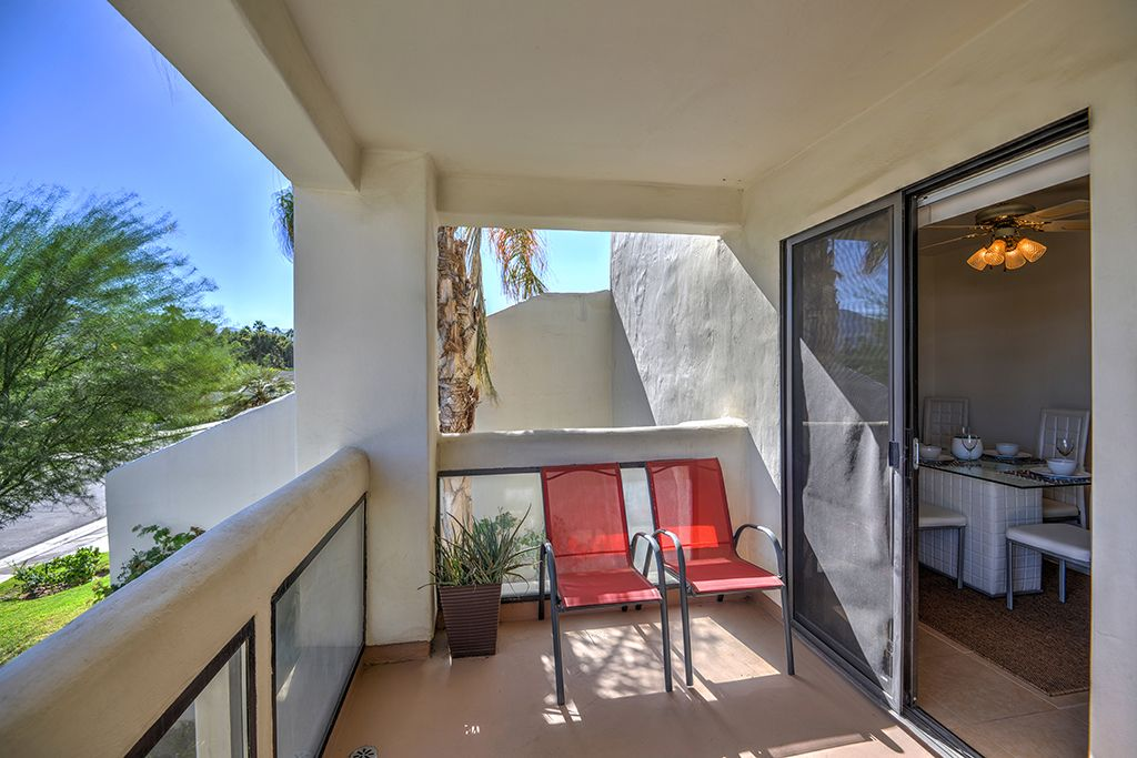 South Palm Springs 2 Bedroom Condo At Canyon Granada With