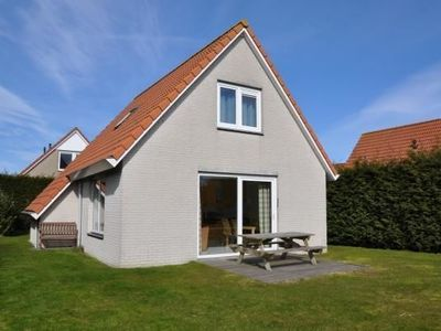 Photo for Luxurious 4-person holiday home in Cadzand, close to the beach, for relaxation, sea, and sun