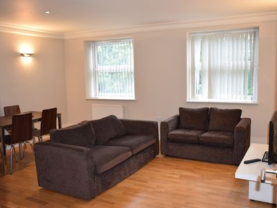 Photo for Ground floor 2 Bedroom apartment, West Ealing London, sleeps 5