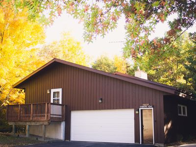 Family friendly house located in beautiful county park. Close to West Bend.