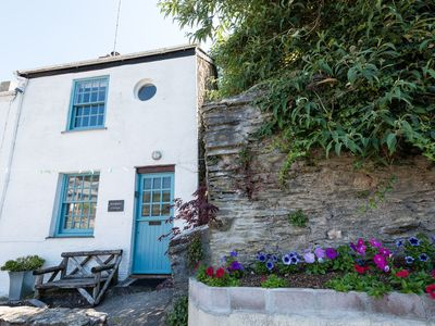 Photo for Pretty, Pet Friendly Cottage with Garage Parking, Wifi and River Views.
