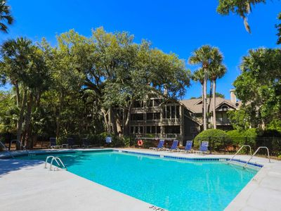 Photo for Peaceful retreat w/ community pool, renovated kitchen & option to purchase Beach Club amenity cards