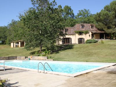Photo for Périgourdine house with swimming pool and private pond