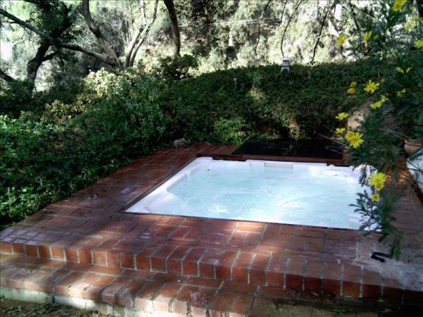 Relax in Spacious Pasadena Foothills Home with Spas/Gym/Patios/Gardens/Hiking