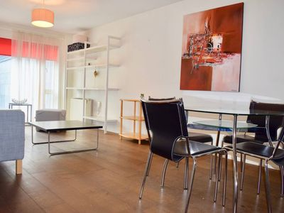 Photo for Modern Apartment in Silicon Docks with Balcony