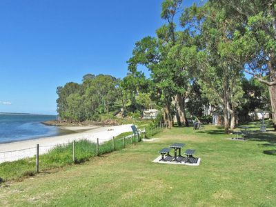 Photo for 27a Christmas Bush Avenue - wifi, aircon, close to Dutchies Beach