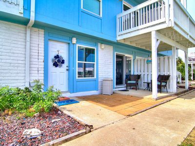 Photo for Newly Remodeled 2 bed 2 bath condo. Beach Access! 2 Community Pools!