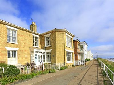 Photo for Cliff House - Three Bedroom House, Sleeps 6