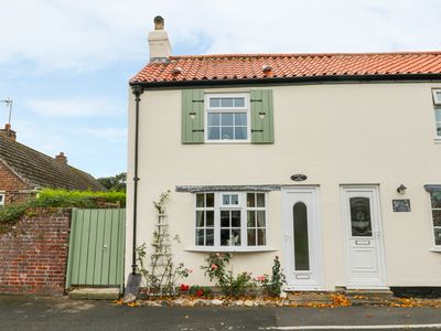 Photo for FAIR PLACE, family friendly, with a garden in Hornsea, Ref 940916