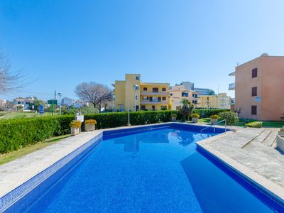 Photo for YourHouse Gotmar - apartment with communal pool near the beach