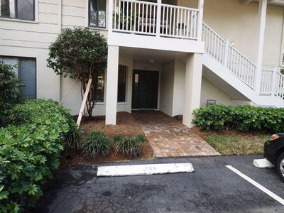 Photo for Naples 2 Bedroom Condo-Minutes from beach and 5th Ave.