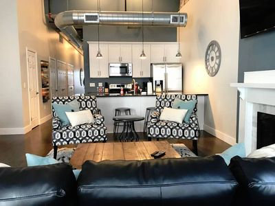 Arcade Alley Loft 301 - Walk to ANYTHING Downtown