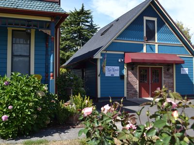 Photo for Quaint 1 bedroom apartment - 1 block from Western Oregon University and wineries