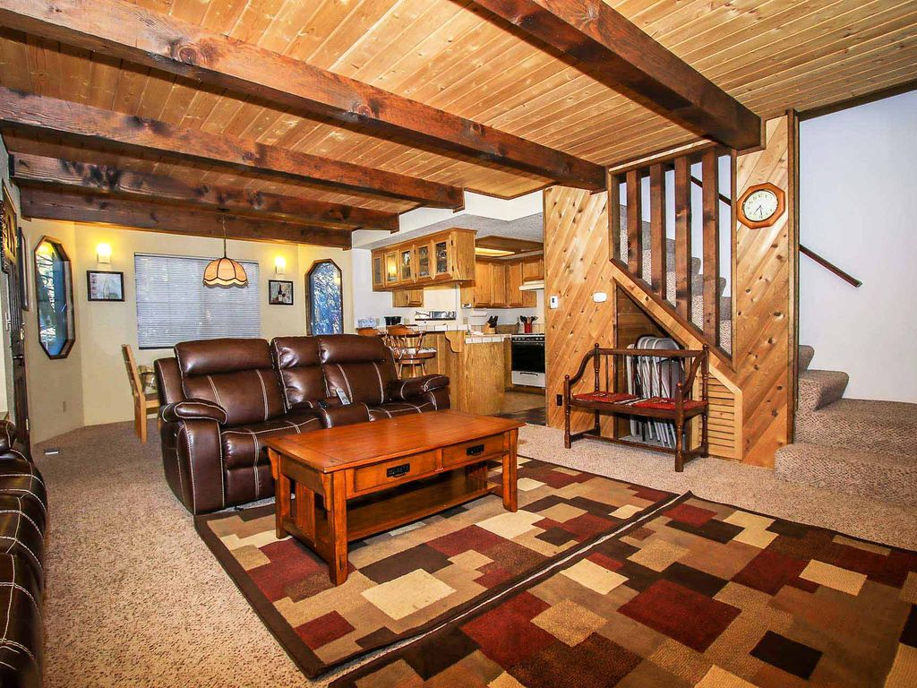 Midnight Howl Newly Furnished Central Retr Vrbo