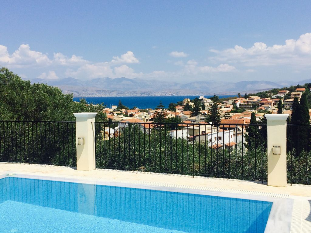 Villa With Private Pool And Beautiful Sea Views Easy Walk To Centre