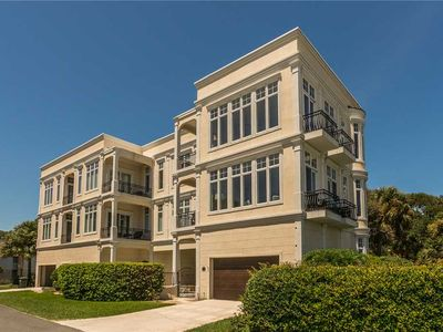 Photo for Luxurious Complex, Ocean Views. Just Steps from Beach. Stunning!