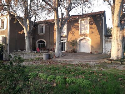 Photo for Beautiful Provencal farmhouse with swimming pool