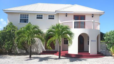 Photo for Spacious Comfortable Group and family home with Pool near lovely Beaches