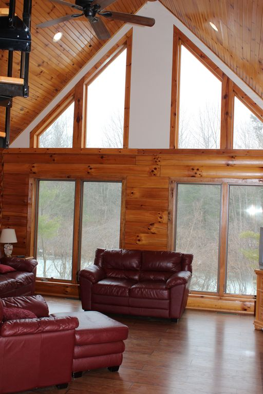 Dormer Loft Cottage By Molecule Tiny Homes: Newer Lakefront Log Cabin W/ Beautiful Water Views, 3-4 Br