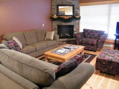 Photo for Beautiful family friendly unit w/ Hot tub, heat garage and views!