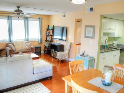 Beautifully furnished pet friendly condo close to the beach and many local attractions!
