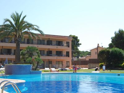 Photo for Comfortable apartment with AC, at 900 m. from the beach