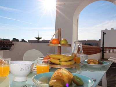 Photo for 300 m from the beach, penthouse with 2 bedrooms an incredible terrace.  Center, Cable TV