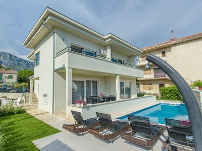 Photo for Private Villa with swimming pool near Marina Kastela