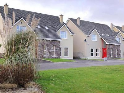 Photo for Semi-detached house, Dingle  in Kerry - 7 persons, 3 bedrooms