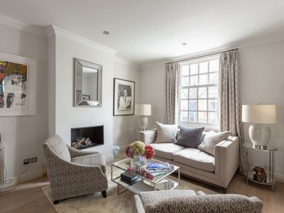 Photo for Ultra luxurious London home for 6-8