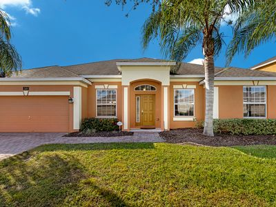 Photo for Luxurious villa, wheelchair friendly, 20 mins to Disney and parks