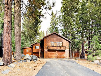 Photo for Cozy Lodge-Inspired 4BR w/ Access to Tahoe Donner Rec Center, Golf & Skiing
