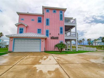 """Photo for """"Beachside"""" Pool table and ocean view, boardwalk to beach, Communal Pool"""