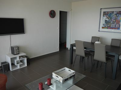 Photo for Luxury apartment, feet in water, completely renovated
