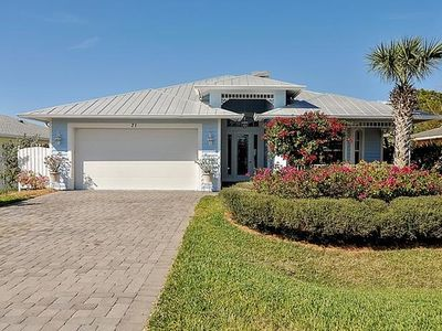 Photo for Old Floridian style Charmer, Heated Pool,1.5 Miles To Beach, WIFI