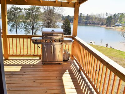 The Lake House     Lake front/Private Dock/ Sleeps 12