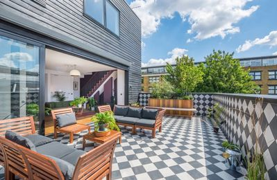 Photo for Beautiful and Luxurious Skyline Living in London Fields
