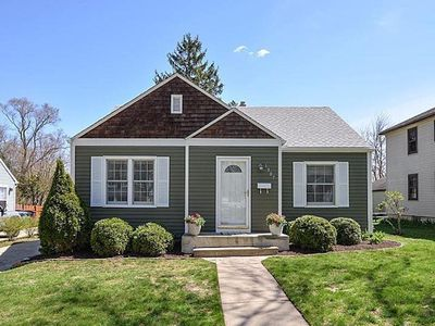 Photo for ADORABLE RANCH BUNGALOW JUST STEPS FROM ALLMENDINGER PARK AND UM STADIUM