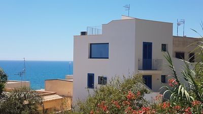 Photo for Detached house in the center of Selinunte with sea view.