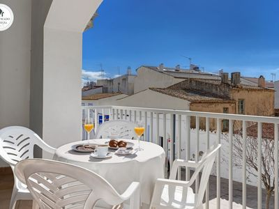 Photo for Apartment near the beach very well equipped and central, ideal for families