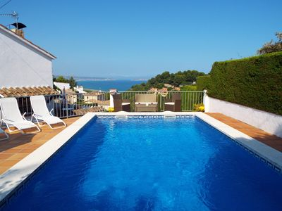 Photo for Villa with private pool, garden and stunning sea and mountain views
