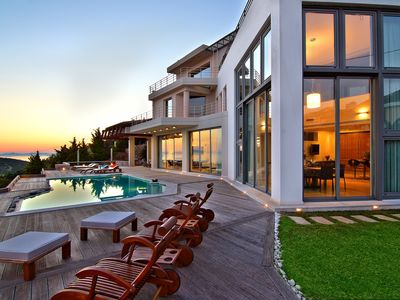 Photo for 4BR Villa Vacation Rental in Anavissos