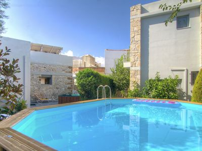 Photo for Authentic villa in little village, 10 pers. at 1,5km from sea, NW coast
