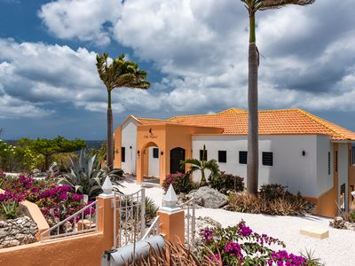 Stunning ocean view villa, renovated and refurbished 2019, private pool